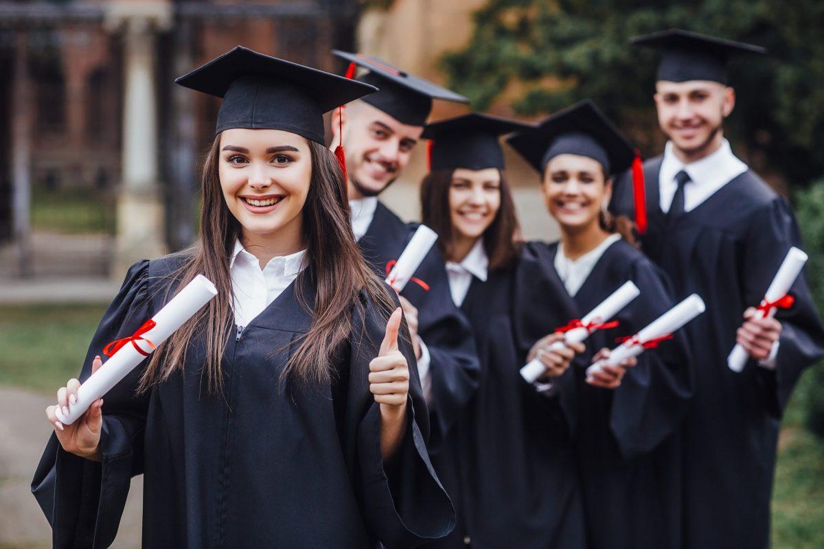 Cours d'anglais Préparation de Diplôme et Certification d'anglais TOEFL - TOEIC - IELTS - SAT - GMAT - Cambridge - Linguaskill , Pôle Prépa 47 rue Saint-Mathieu, 69008 Lyon